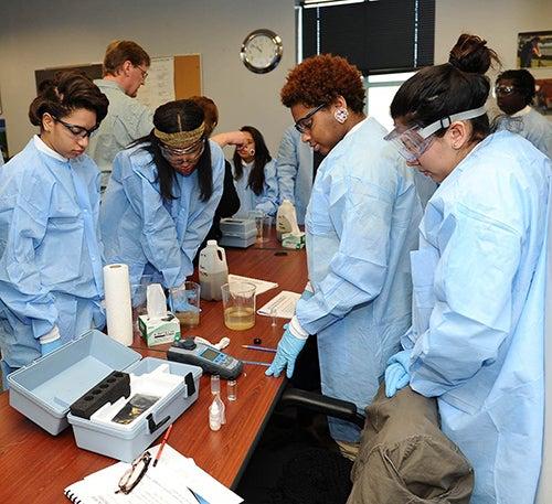 World Stem School: STEM Education (Science, Technology, Engineering And Math